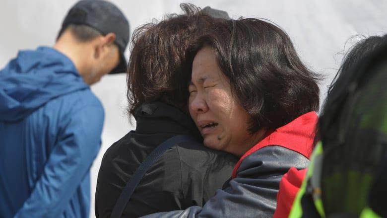 الحزن يزداد والأمل يتناقص مع مضي الأيام على غرق السفينة