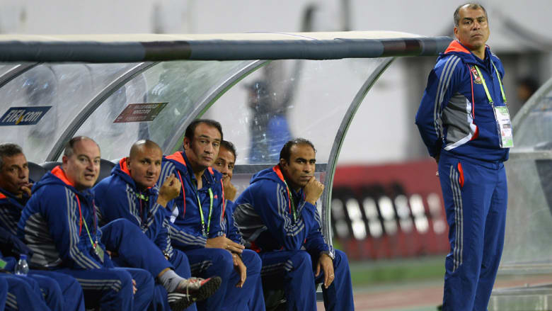 استقالة جماعية لجهاز الكرة بالأهلي المصري ومبروك مدرباً مؤقتاً