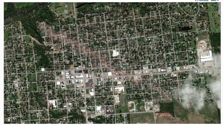 صورة لباكستر سبرينغس في كنساس بعد اجتياح إعصار للمدينة.