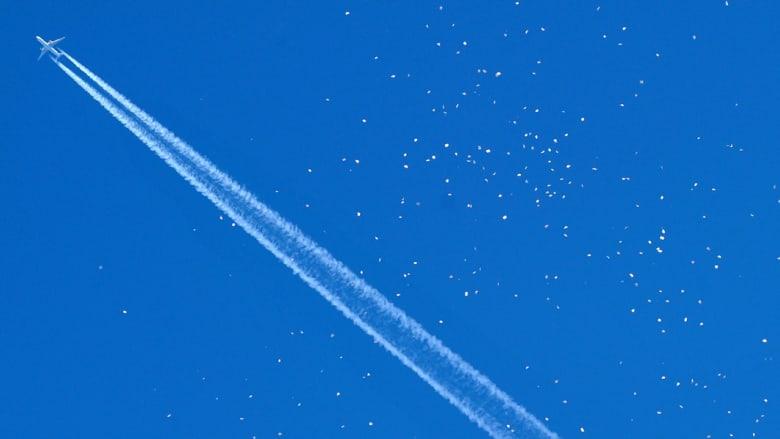 """طفل """"المعجزة"""" الذي سافر بعجلة الطائرة دون هواء وبحرارة دون الصفر آمن الآن"""