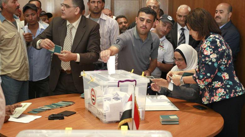 جانب من عمليات التصويت في الأردن.