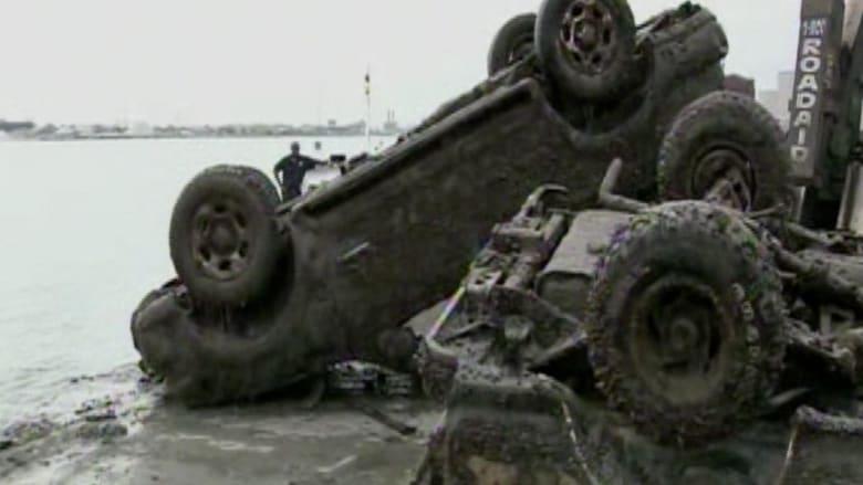 أمريكا.. العثور على عشرات السيارات بقاع نهر ديترويت