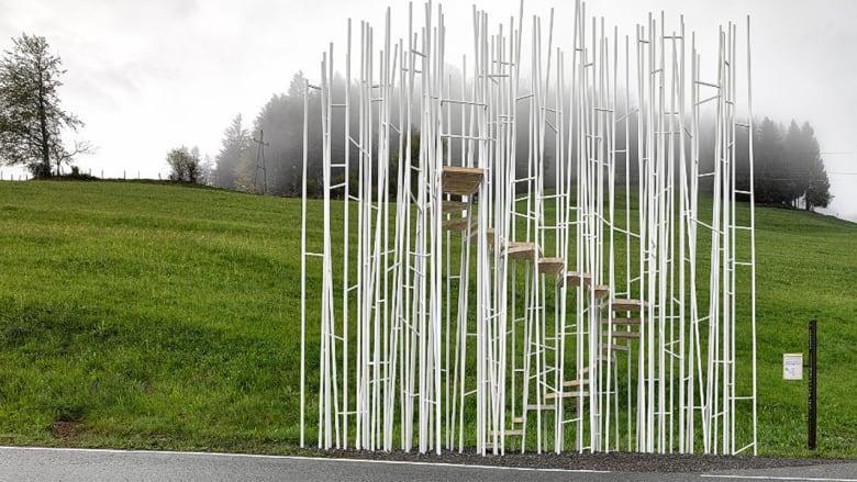 قد يكون انتظار الحافلات العامة من أكثر مهمات اليوم ضجراً، ولكن يبدو أن هذه لن تكون مشكلة بالنسبة لسكان قرية كروبماخ في شرق النمسا.