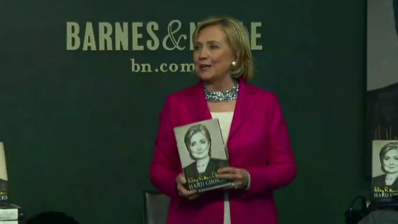 """هيلاري كلينتون تطلق """"خيارات صعبة"""" في نيويورك"""