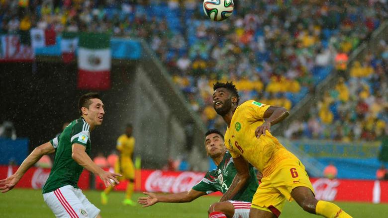 المكسيك والكاميرون بكأس العالم بالصور