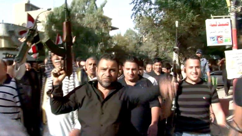 متطوعون عراقيون في طريقهم لمواجهة داعش