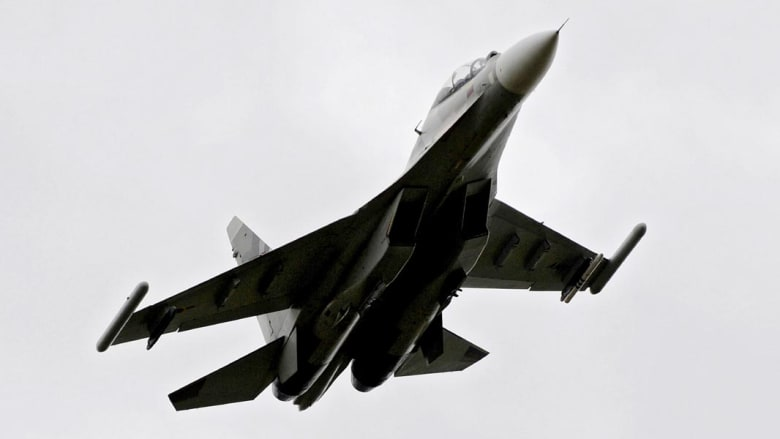 """مصادر عراقية: طائرات مقاتلة تقصف مواقع """"داعش"""" في الموصل"""
