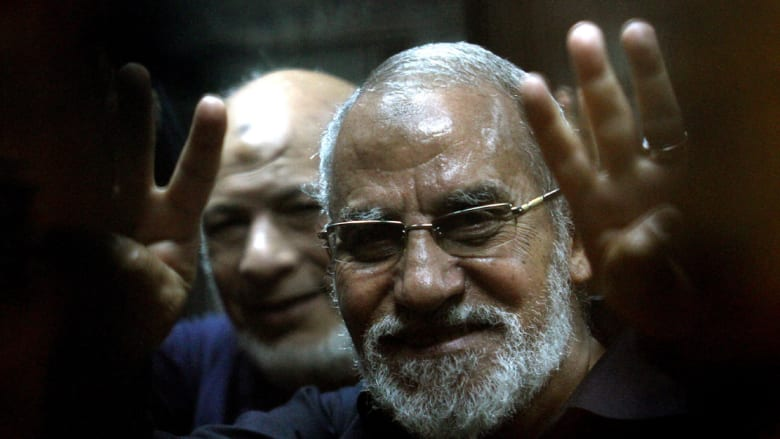 """مصر: المؤبد لـ""""مرشد الإخوان"""" والإعدام لـ10 آخرين بقضية طريق قليوب"""
