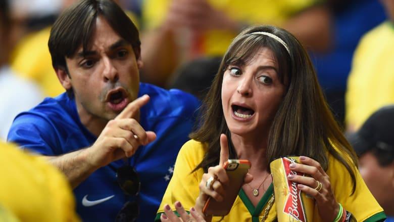 علامات الدهشة على مشجعي البرازيل