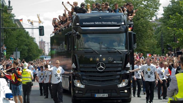نحو مليون ألماني يخصون أبطال العالم باستقبال تاريخي