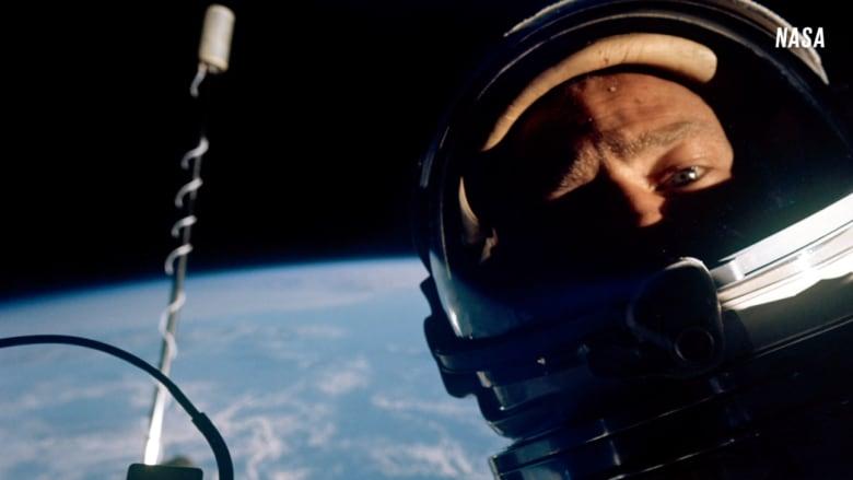 أول صورة سيلفي من الفضاء في عام 1966