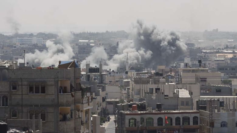 كيري يتحرك مع قطر وتركيا لانقاذ الهدنة وحماس تحمل إسرائيل مسؤولية خرقها