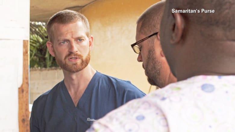 """عودة أول مريض أمريكي بفيروس """"إيبولا"""" من أفريقيا والأطباء يكافحون لإنقاذه"""