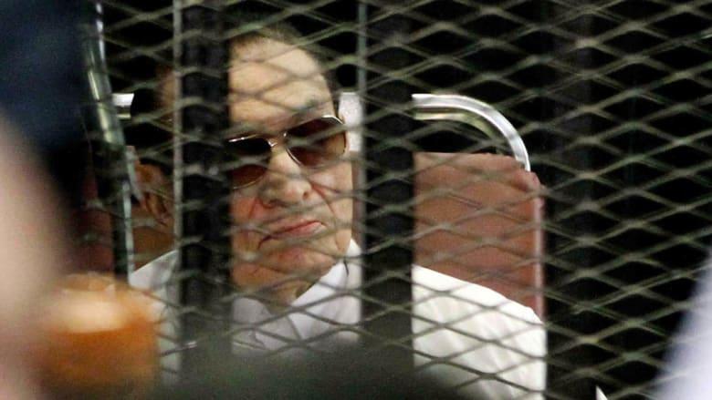 """مبارك بأول إفادة علنية أمام """"محكمة القرن"""": تعرضت وأسرتي للإساءة والتشهير ولم آمر بقتل أي مصري"""