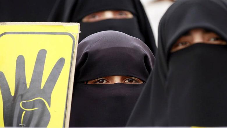 صحف: ميدان رابعة يستعيد رونقه وسيارات سعودية بشعارات داعش