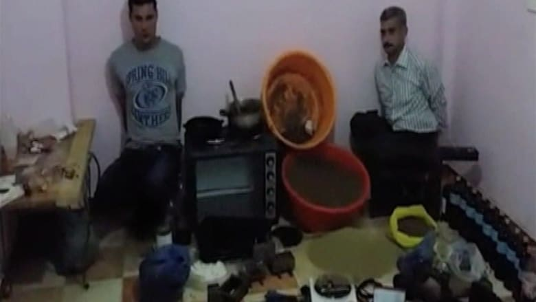 """بالفيديو.. الداخلية المصرية تعلن ضبط """"أول مصنع للحشيش"""" بالإسكندرية"""