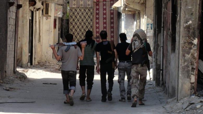 """نشطاء سوريون: أكثر من 500 قتيل من النظام و""""داعش"""" في معارك مطار الطبقة بالرقة"""