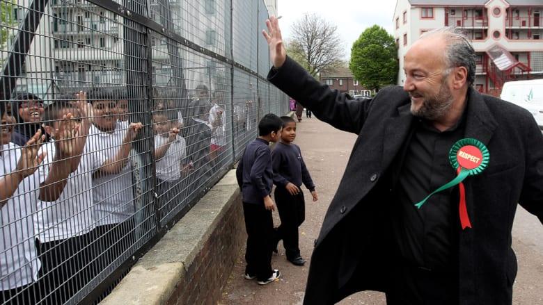 نقل النائب البريطاني جورج غالاوي للمستشفى بعد مهاجمته بأحد شوارع لندن