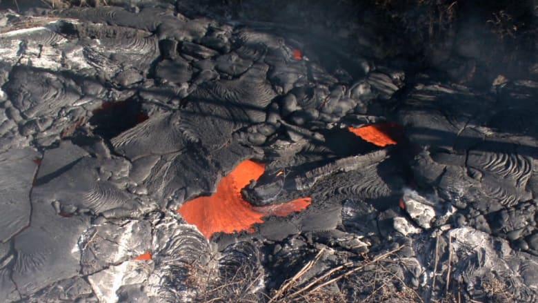 """تململ""""بركان كيلاويا"""".. رأي ينادي بالهرب والآخر بالمواجهة"""