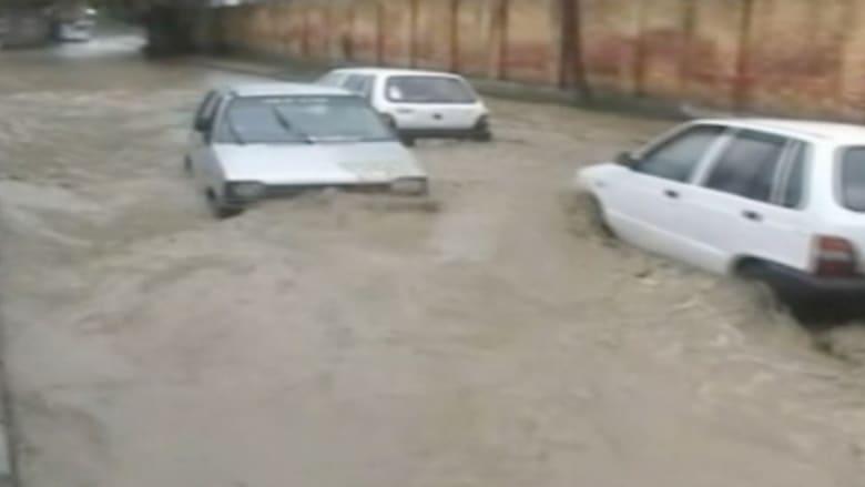 شاهد قرى وهي تغرق بسبب الفياضانات في جامو وكشمير