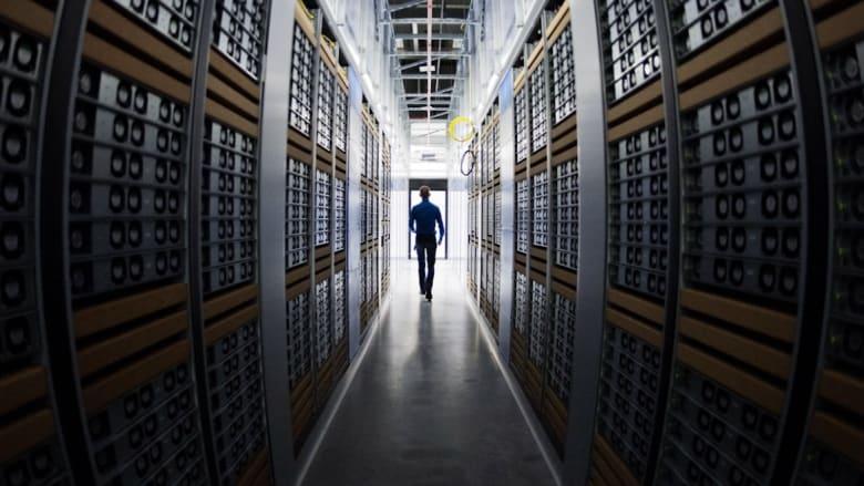 """ما هي """"البيانات الضخمة"""" وكيف تجعل منك سلعة يتم بيعها وشراؤها؟"""