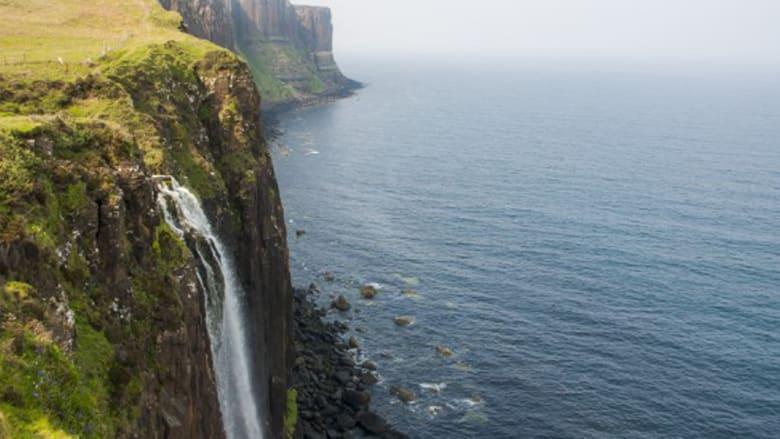 """تبدو في خلفية هذا المنظر الطبيعي الرائع صخرة كيلت""""، المشابهة للزي القومي الاسكتلندي للرجال المعروف بـ""""الكيلت"""