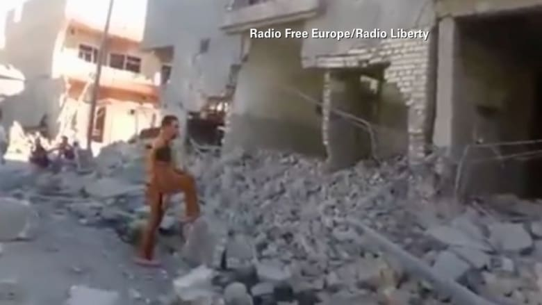 """فيديو من الفلوجة لآثار غارات الطيران العراقي على  مواقع لـ""""داعش"""""""