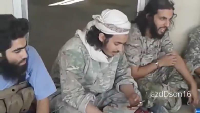 """بالفيديو .. مقاتلو """"داعش"""" يغنون لضرب """"الأعداء"""" في عقر دارهم"""