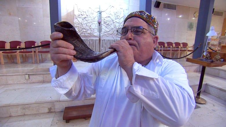 """الشوفار.. أداة موسيقية يتردد صداها مع دخول """"روش هشانا"""""""