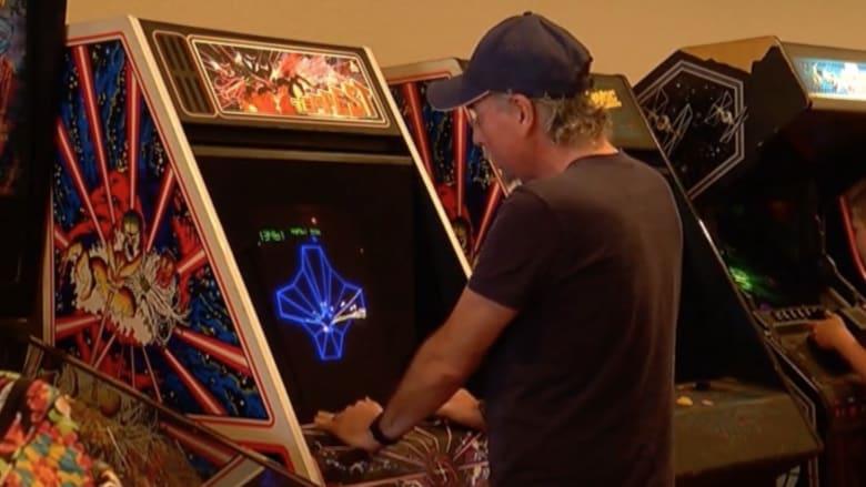 بالفيديو.. رحلة عبر الزمن.. متحف يعرض ألعاب السبعينيات
