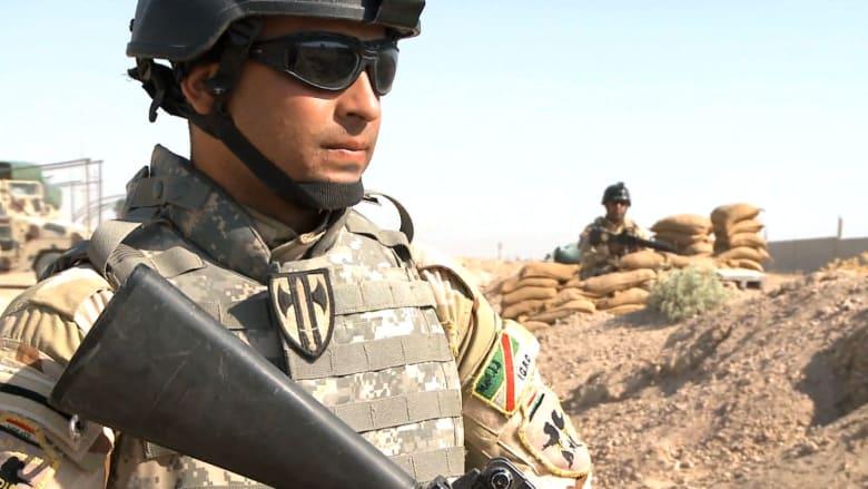 قوات الجيش العراقي في محاولات فاشلة لإبعاد خطر داعش عن ما تبقى من العراق.