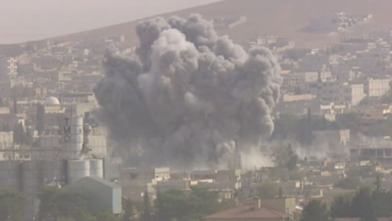 بالفيديو.. CNN ترصد عدة انفجارات هائلة تهز كوباني التي تنهكها الحرب