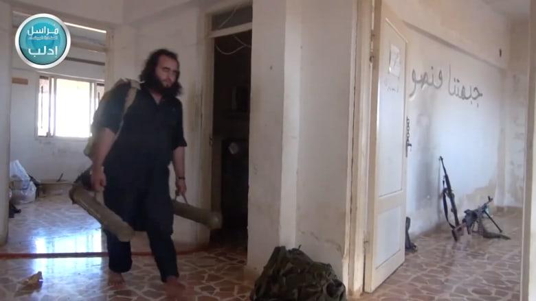 """بالفيديو.. النصرة تخلي مواقع """"حفاظاً على أرواح المسلمين من الغارات الصليبية"""""""