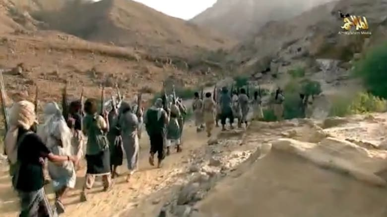 التفجيرات وصراع القاعدة وأنصار الله تعيد الصداع اليمني