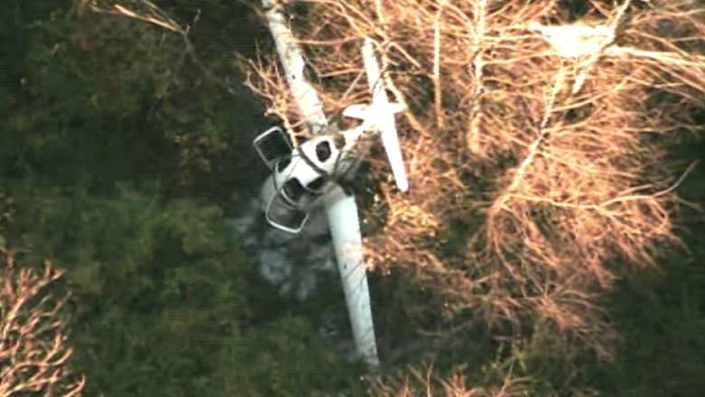 شاهد .. اصطدام بين طائرة ومروحية يؤدي إلى وفاة 3 أشخاص