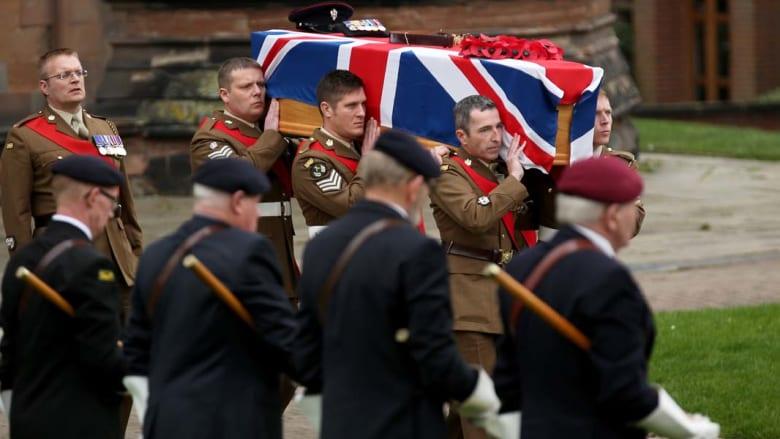 بريطانيا تسلم آخر معاقلها في أفغانستان بعد أن خسرت 453 جنديا خلال وجودها