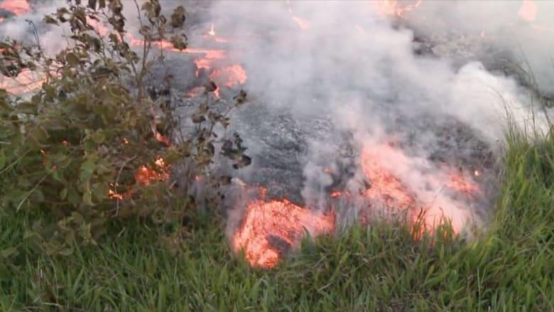 بالفيديو.. الحمم البركانية تلاحق السكان في هاواي