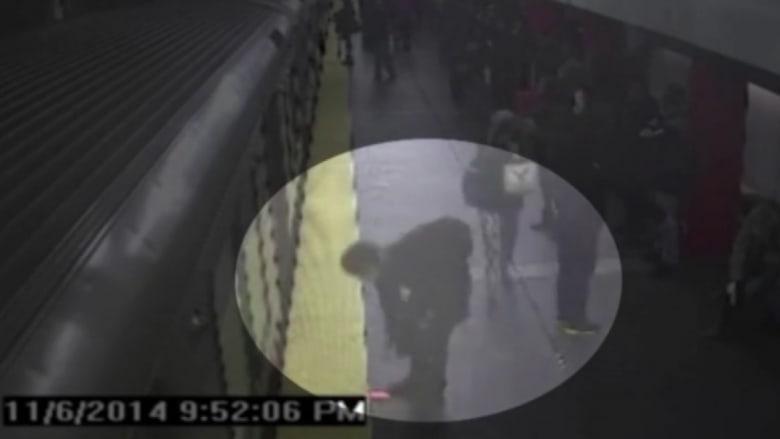 كاميرا مراقبة توثق سرقة هاتف امرأة ماتت في حادث