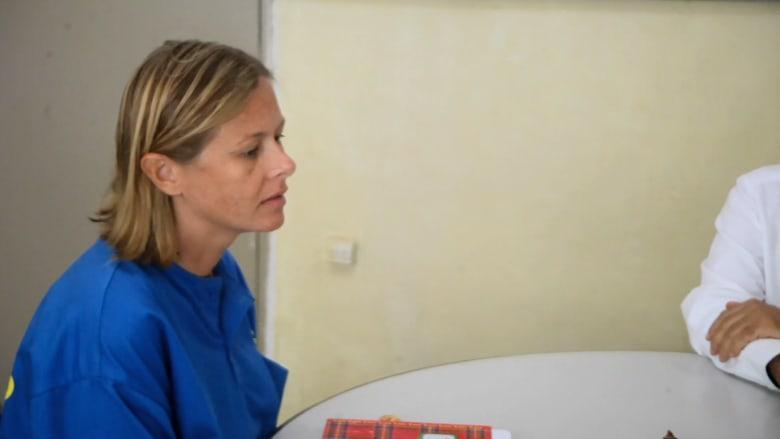 "CNN  في زيارة حصرية لبيطرية أمريكية داخل السجن في ""تيمور الشرقية"""