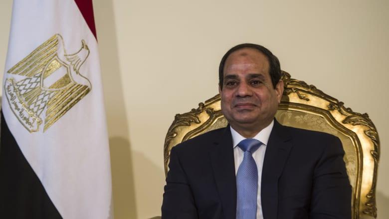 مصر: تصريحات السيسي حول الدولة الفلسطينية لتشجيع إسرائيل على التسوية.. ومقتل رجلي أمن بانفجار مدرعة بالعريش