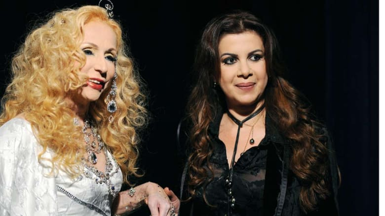 الفنانة صباح مع مصممة الأزياء اللبنانية أيلا زحلان قبل عرضها في أزياء ربيع 2008 في روما