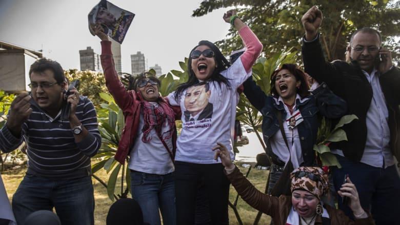أنصار مبارك يعبرون عن فرحهم البالغ بالتبرئة