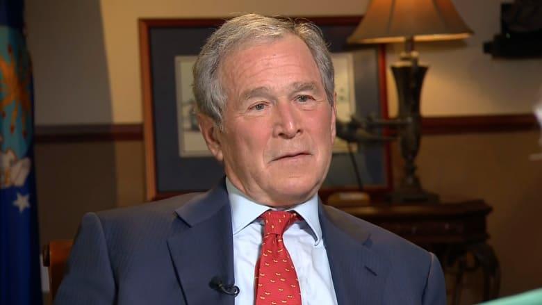 """بوش: هيلاري كلينتون """"زوجة أخي"""" ولكن أخي هو الذي سيهزمها في الانتخابات"""