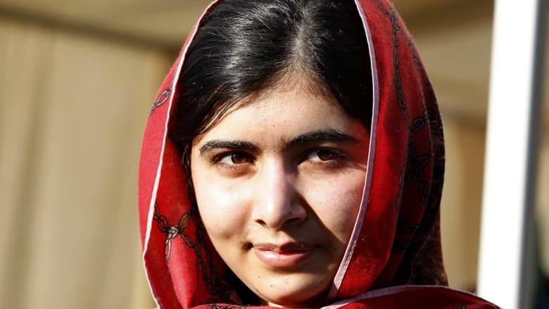 ملالا تتسلم جائزة نوبل الأربعاء وتعرض ثوبها المضرج بدمائها أمام العالم