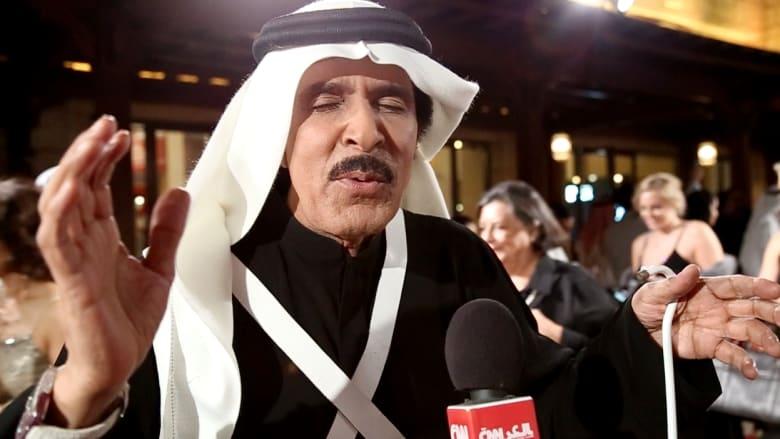 """عبدالله بالخير يغني لـCNN من على السجادة الحمراء بـ""""دبي السينمائي"""""""