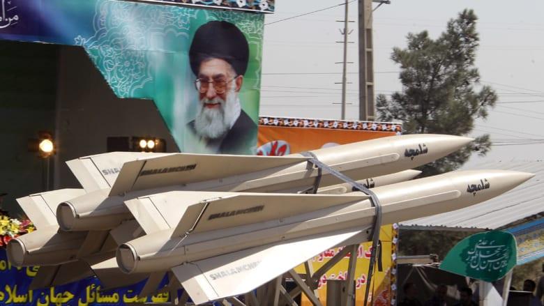 """إيران تكشف عن تقنيات صواريخ تثير """"دهشة الأعداء"""" بإمكانها ضرب حاملات الطائرات"""