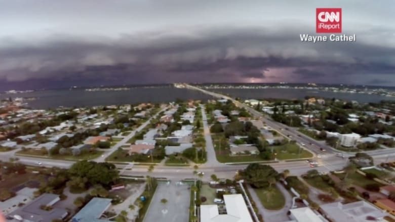 بالفيديو.. كيف تبدو العاصفة وهي تتقدم من الأعلى؟