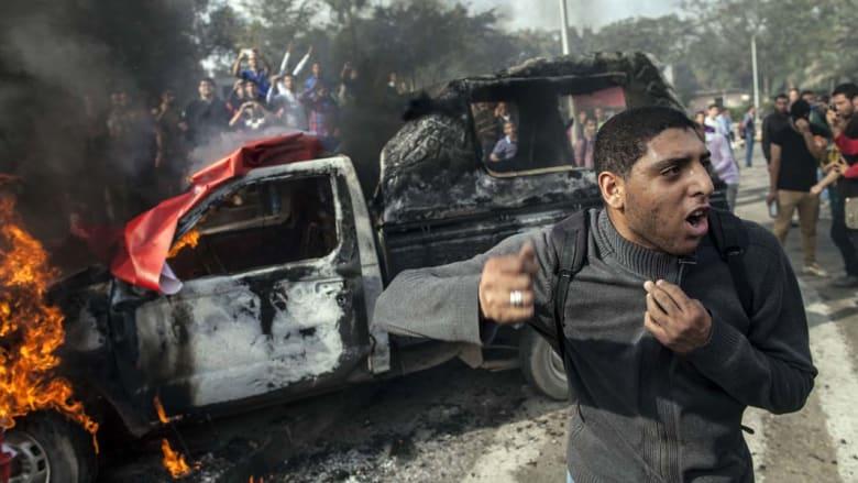 مصر: حبس متهمين بحرق سيارات دبلوماسيين في القنصلية السعودية بالسويس