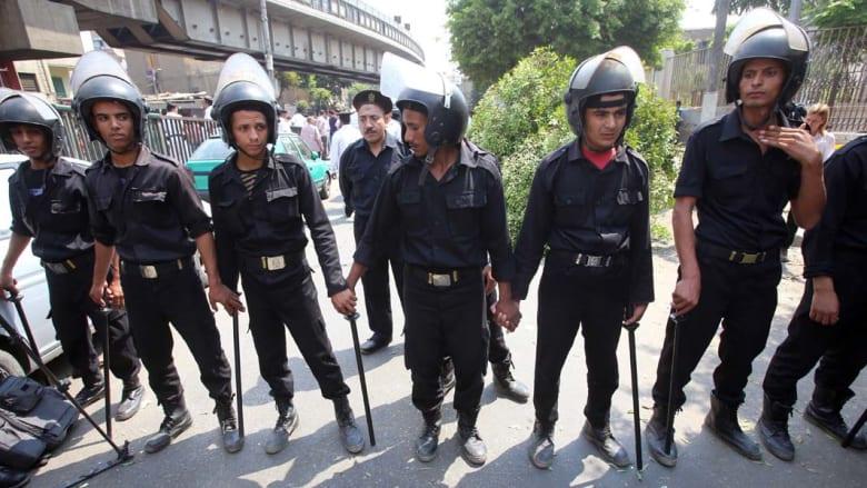 """الأمن المصري يغلق شوارع ويستعد لجمعة ساخنة والإخوان يحملون """"الانقلاب"""" مسؤولية أي دماء"""