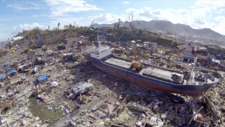 في الذكرى الأولى لإعصار الفلبين.. مشاهد من  الجو تفوق الخيال